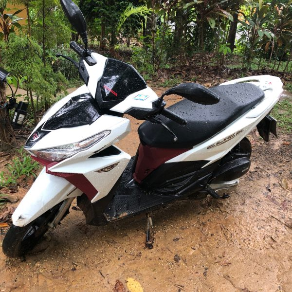 Mein Scooter auf Koh Yao Noi. @Waltraud Hable